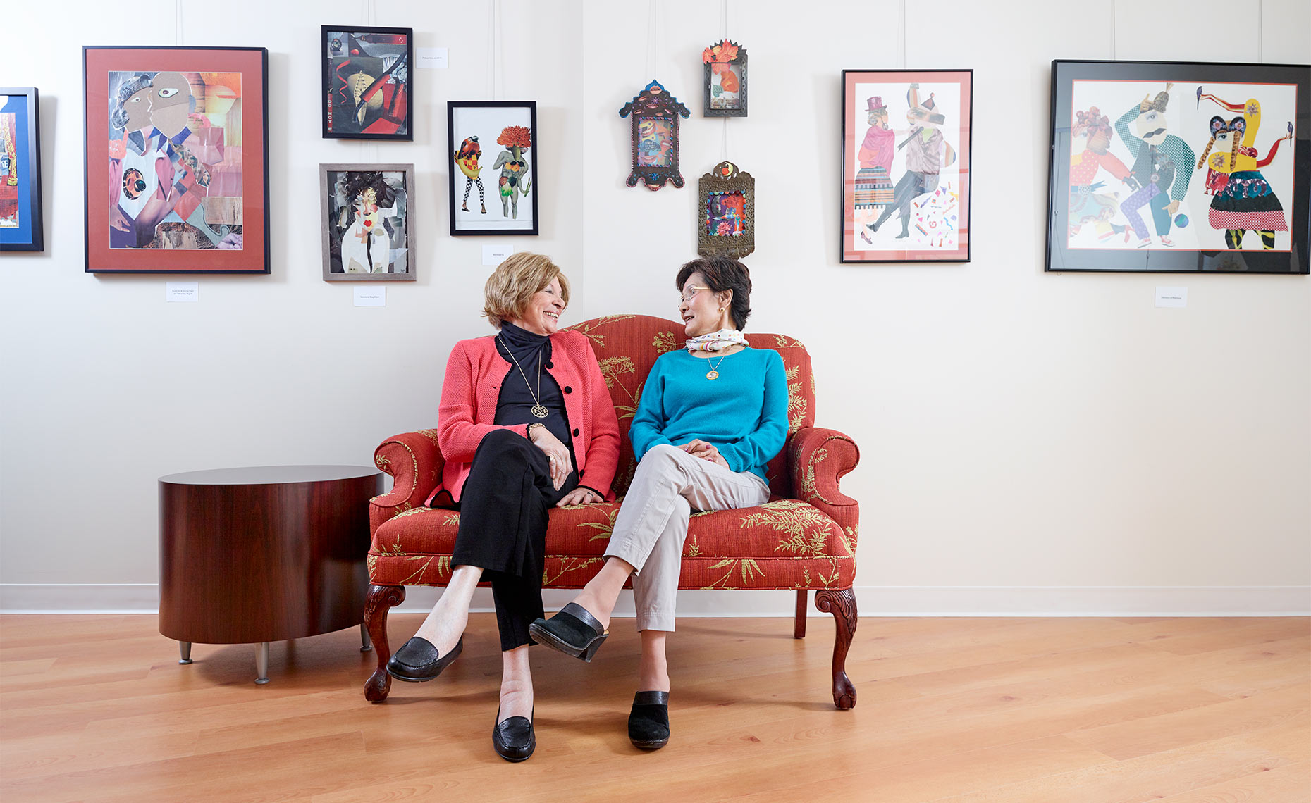 Two Woman Sitting in Art Gallery, Greg Anthony Photographer Art-Space-1-20603-F