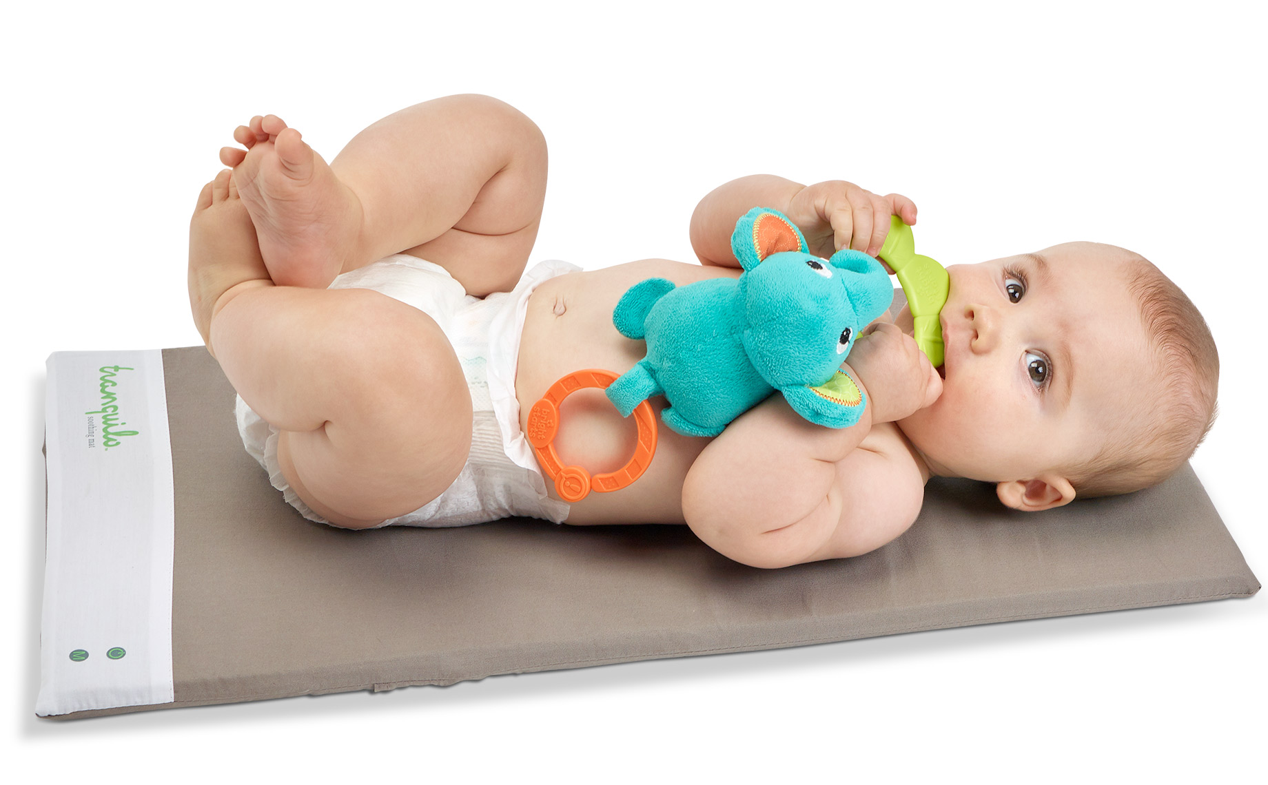 Baby-playing-on-mat-33323-F
