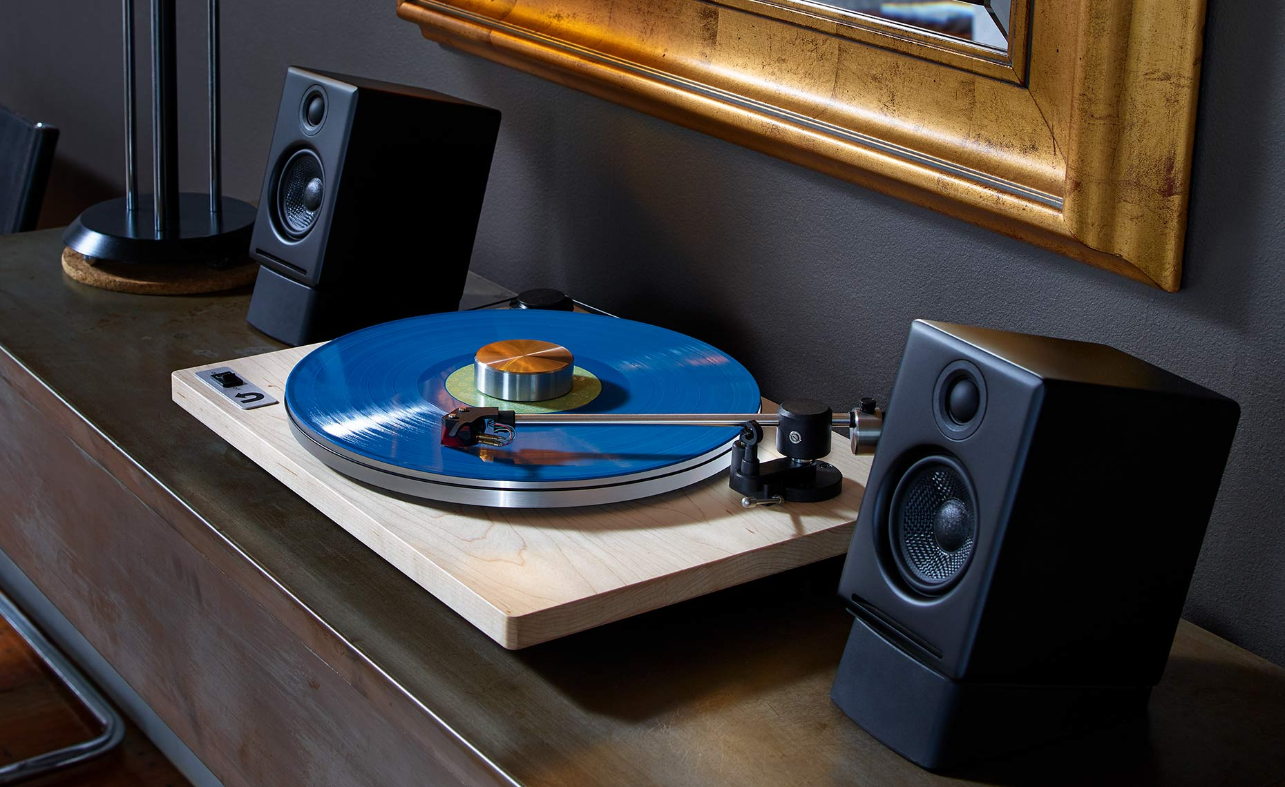 Audio Turntable in Home Gray-Wall-with-Mirror-08_17_17_uTurn32527-F Advertising Photography